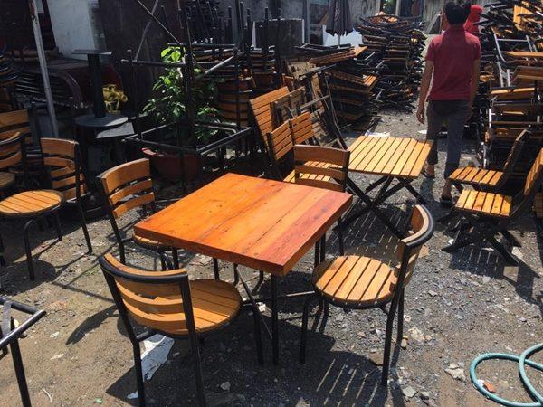 Bàn ghế cafe ngoài trời thanh lý
